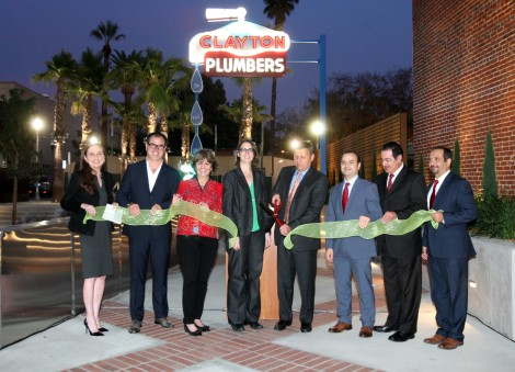 Glendale City Council and other dignitaries cut the ribbon to MONA Paseo