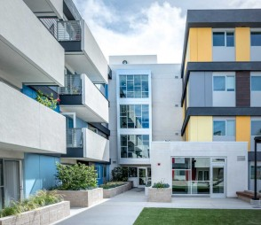 ACE121 Courtyard (photo by Studio One Eleven)