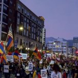 Pro-Artsakh March in Glendale | Photo by Zane Hill for Glendale News-Press